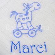 P1220705 180x180 - Egyedi hímzett textilpelenka – lovacskás