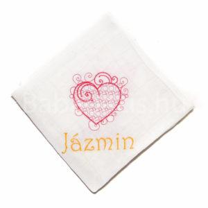 egyedi névvel hímzett textilpelenka 300x300 - Egyedi hímzett textilpelenka – szívecskés