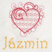 egyedi névvel hímzett textilpelenka.2 180x180 - Egyedi hímzett textilpelenka – szívecskés