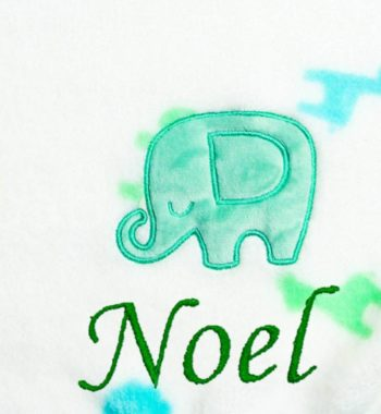 babatakaró P1300459 7 350x380 - Névre szóló wellsoft babatakaró – elefántos