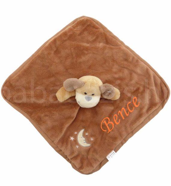 P1310642.2 570x619 - Névre szóló plüss szundikendő – barna kutyus