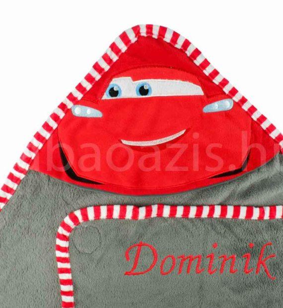 disney kapucnis takaro DSCF4315 8 570x619 - Névvel hímzett Verdák kapucnis plüss takaró - 100x100 cm