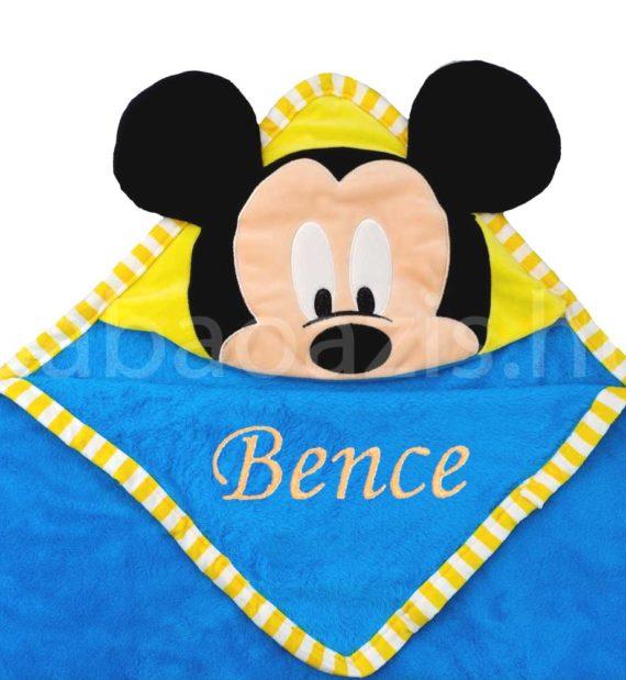 mickey babatakaro DSCF4125 3 2 570x619 - Névvel hímzett Mickey egér kapucnis plüss takaró - kék-100 x 100 cm
