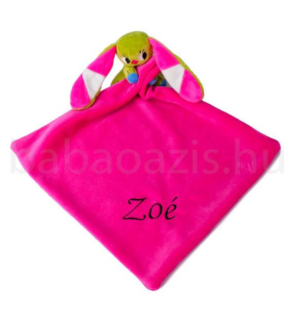 kockasfulu nyul alvokendo DSCF6254 1 570x619 - Névvel hímzett plüss szundikendő - Kockásfülű nyúl-pink
