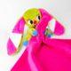 kockasfulu nyul alvokendo DSCF6254 2 80x80 - Névvel hímzett plüss szundikendő - Kockásfülű nyúl-pink