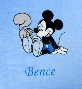 neves babatakaro DSCF7298 3 350x380 - Névre szóló Disney Mickey wellsoft babatakaró-világoskék