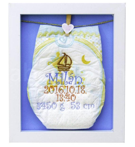egyedi hímzett pelenka 1290576 570x619 - Egyedi baba ajándék
